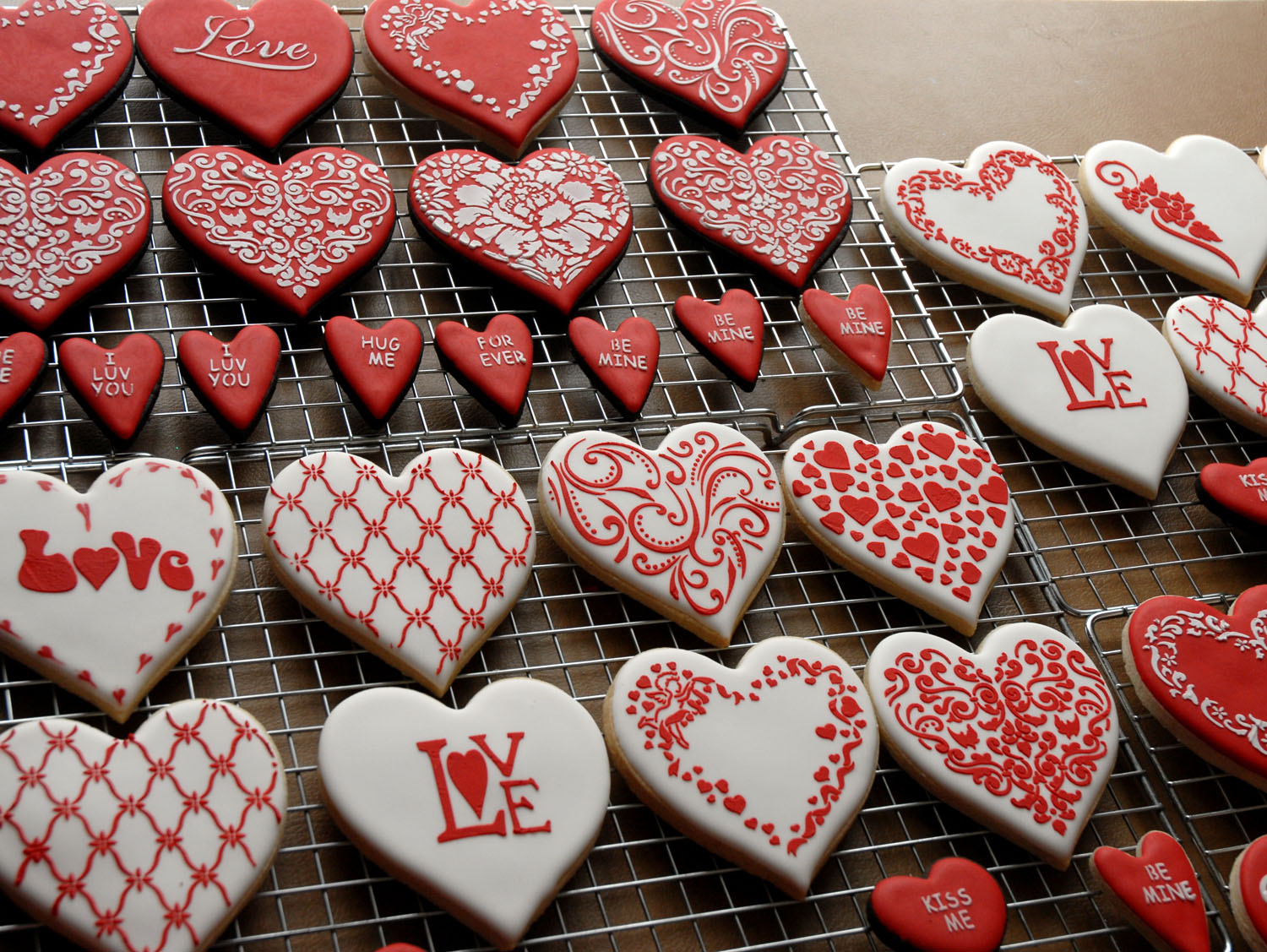 4pcs/lot Love Cookie Stencils Fondant Molds Cookie Mold Cake Stencils - Kitchen, Dining and Bar - Photo 4