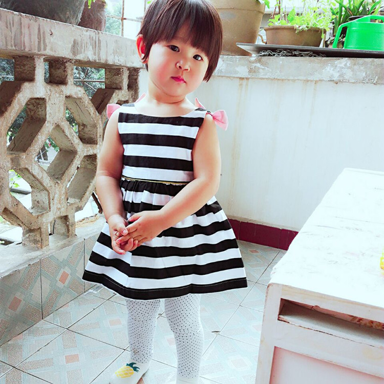 HTB1Rr8LQpXXXXb4XVXXq6xXFXXX7 - Baby Girls Dress Summer 2017 Stripe Dress Baby Dressing for Party Holiday Black and White with Bow Kids Clothes Girls Cute Brand