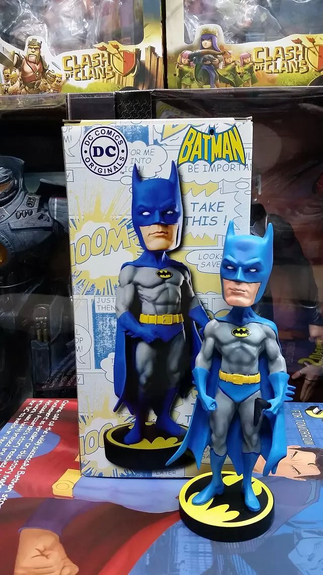 ФОТО Newest Anime Character 1pcs Head Shakes Superman Wonder Woman Batman action pvc figure model tall 20cm in box for collection.