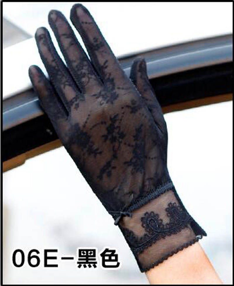 HTB1RrS2RFXXXXbQaXXXq6xXFXXX7 - Sexy Summer Women UV Sunscreen Short Sun Female Gloves Fashion Ice Silk Lace Driving Of Thin Touch Screen Lady Gloves G02E