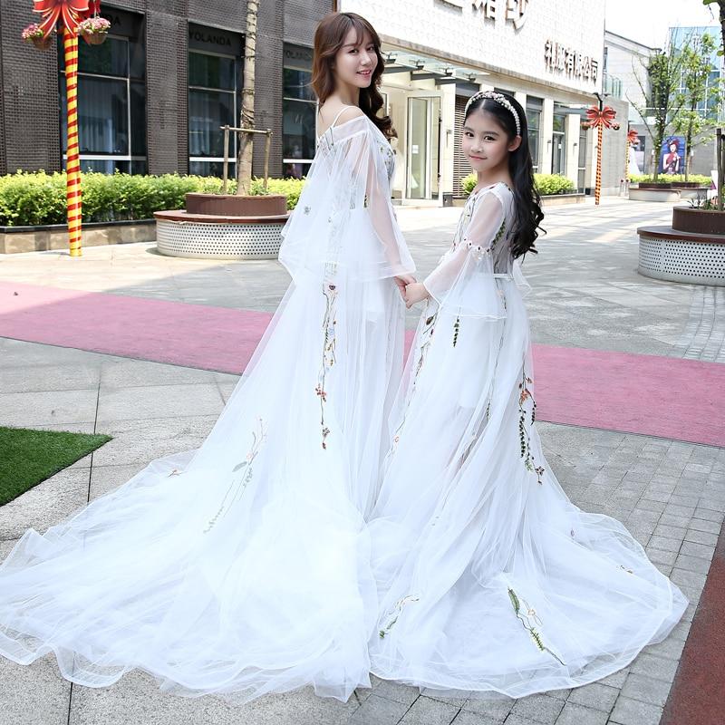 Famille mariage soirée vêtements mère fille correspondant robes de mariée maman bébé fille vêtements Tutu fleur filles robe de bal - 3