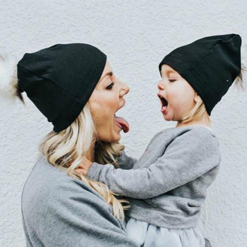 2 шт. зимняя мама Для женщин ребенок дети крючком вязаная шапка шапки детские для девочек и мальчиков Шерсть Мех животных с помпоном мяч помп...