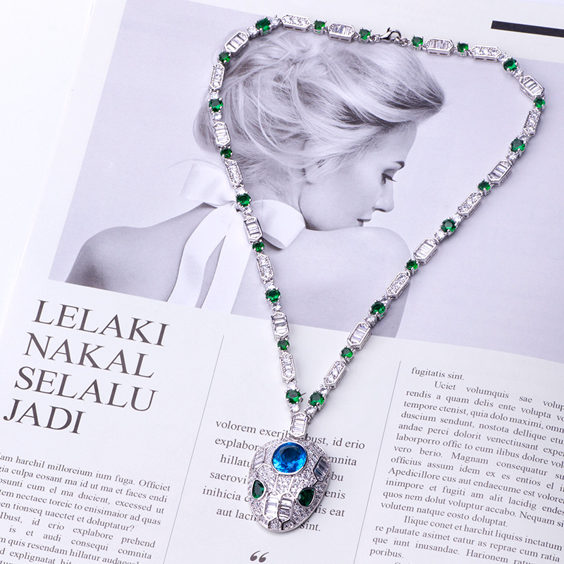 Fashionable Personality Delicate Charm Animal Snake Necklace Noble Collar High-end Evening Accessories