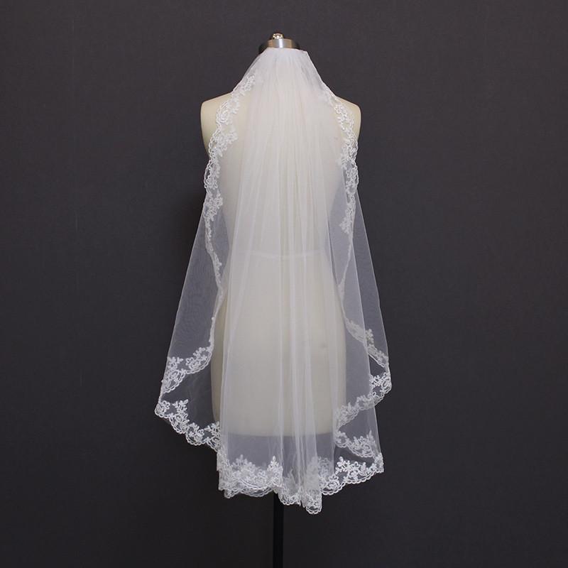 MERMAIDFUN New Elegant Lace Edge Short Wedding Veils with Comb 2018 Real Photos Bridal Veil for Bride 1
