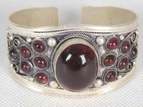 Excellence Tibet Silver Garnet Cuff Bracelet