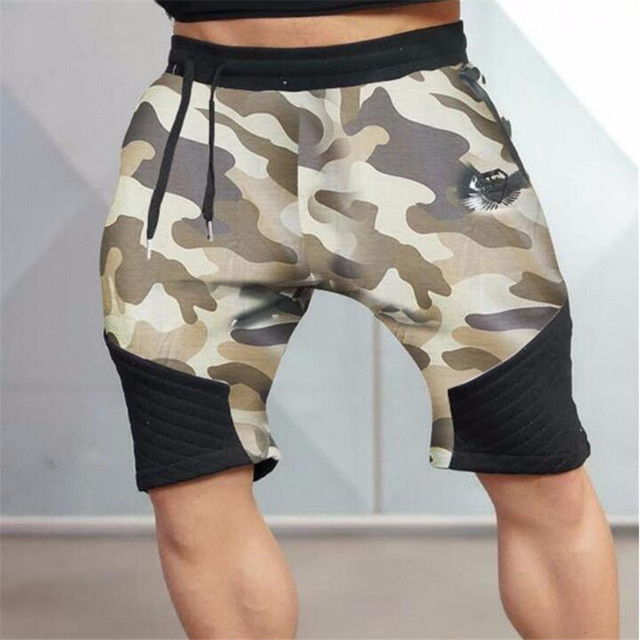 Men's brand shorts. Men 's Fitness Bodybuilding Camouflage shorts. Professional breathing shorts  movement jogger trousers.W0021