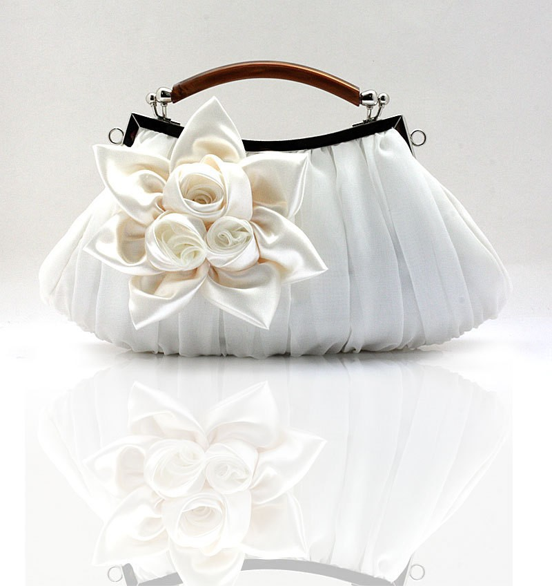 Fashion Cream Las Satin Clutch Handbag Evening Bag Birthday Gift Party Purse Makeup Free Shipping 0005 F In Bags From Luggage On