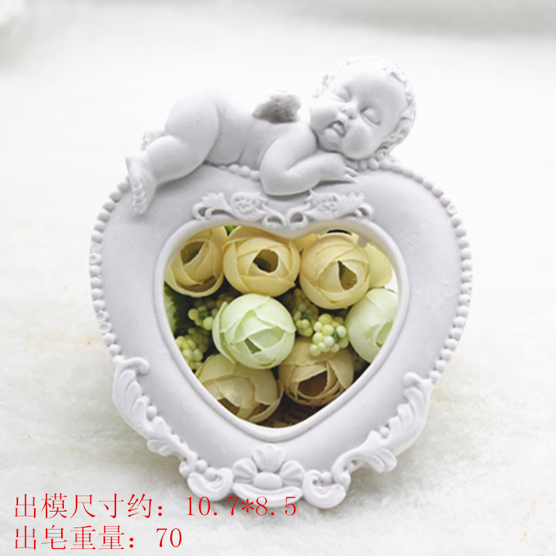 Infant Photo Frame Aromatherapy Gypsum Ornaments Silicone Soap Molds for Automobile Ventilator DIY 3D Heart Craft Pendant Mold