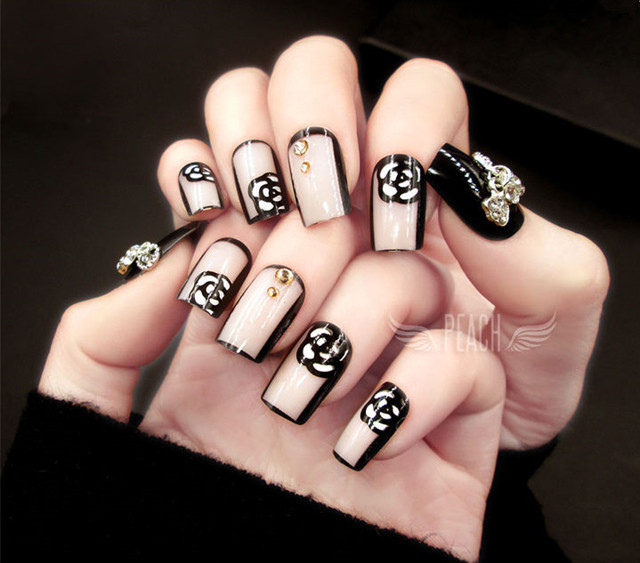 High Fashion American Style Black And White Lace Flower Pattern 3D Fake Nails French False