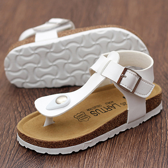 DJSUNNYMIX 2018 NEW Kids Flat Sandals Youth Casual Shoes Children Buckle  Beach Summer Genuine Leather Slippers Boy Girls 39b0c908a0a3