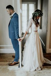 Image 2 - Vestido de noiva 2 pièces plage robes de mariée dentelle une ligne mousseline de soie demi manches robe de mariée bohème Sexy col en V robe de mariée