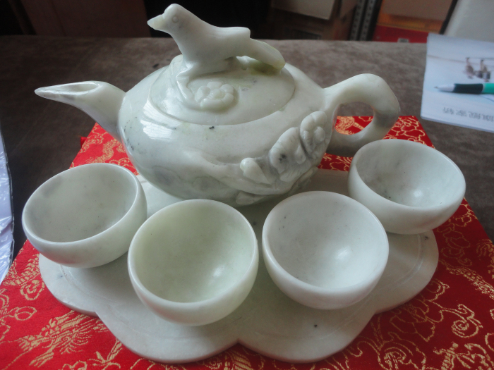Lantian shipping natural jade jade tea magpie plum jade tea cup teapot pot  ornaments image 5eeb9c62bc66
