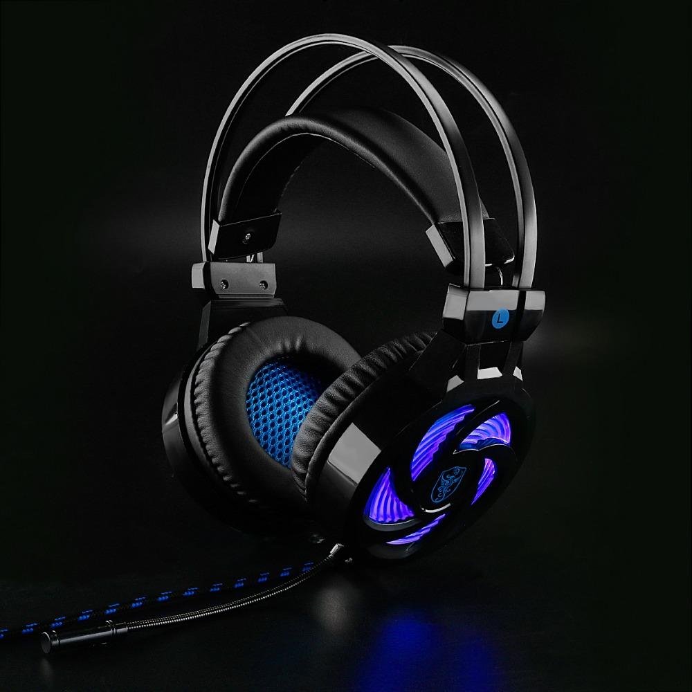 Soyto USB Stereo Gaming Headset 7.1 Virtual Surround Bass Gaming Earphone Headphone with Mic LED Light for Computer PC Gamer