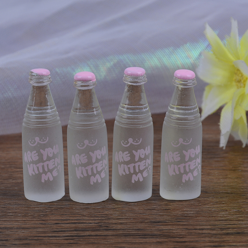 4 PCS Mini Resin Drinks Bottles  Dollhouse Miniature Toy Doll Food Kitchen Living Room Accessories Kids Gift Pretend Play Toys