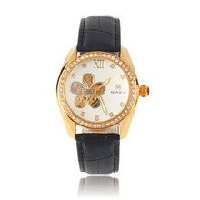 OUTAD Fashion Quartz Watch Pentalobe Hollow Flower Pattern Crystal Analog Round Dial relogio feminino wrist watch women