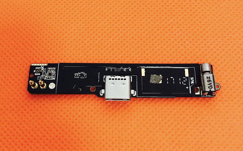 Original USB Plug Charge Board For Blackview P2 MT6750T Octa core 5.5 FHD free shipping