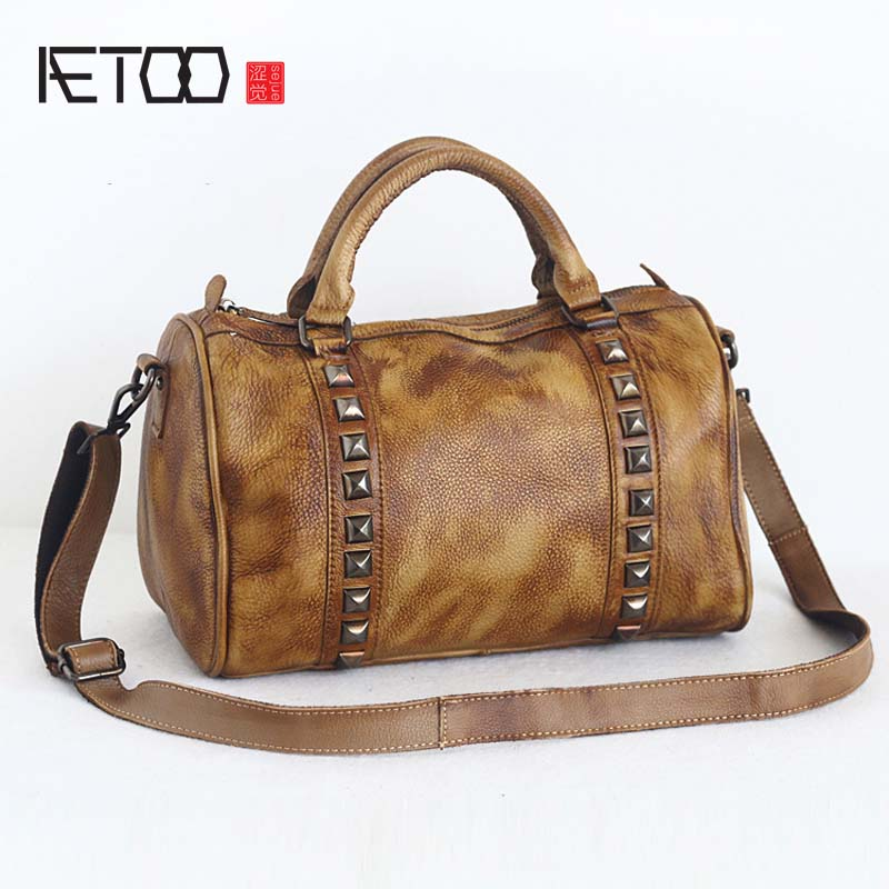 AETOO Original New retro color wiping handmade leather female bag personalized rivet head layer cowhide shoulder bags women