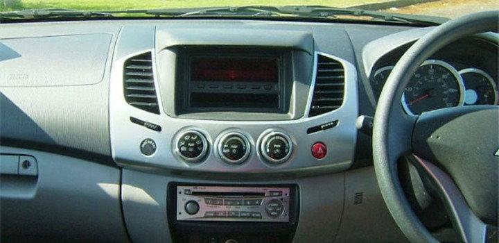 MITSUBISHI-L200-Radio-Dash-Board-2008-2013