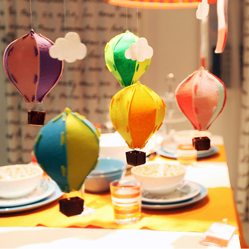 Colorful 3d felt hot air balloon decoration with white for Balloon cloud decoration