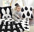Coelho malha Swaddle Cobertor Do Bebê Colcha de Cama Branca Preta Cruz Maillot Banho Toalha Criança Esteira do Jogo Set Mantas 70*100 cm