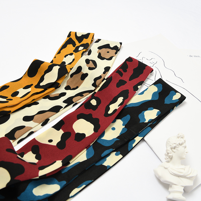 Explosion Models Leopard Short Streamers Wild Fresh Simple Silk Scarf Fashion Casual Scarf Ladies Small Scarf Tied Bag Scarf