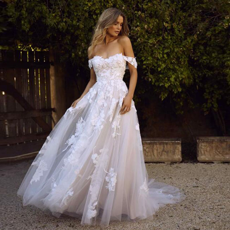 Sweetheart Off Shoulder Tulle Lace Appliqued Wedding Gowns Backless With Sweep Train Bridal Dresses Vestido De Noiva
