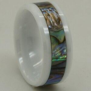 Image 2 - Anillo de cerámica blanco a prueba de arañazos con incrustaciones de concha de perla natural de 8mm de ancho 1 ud.