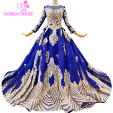 2018 Luxury Royal BLue Rose Red Lace Long Sleeves Scoop Court Train Bridal Gowns Floor-length Ball Gown Vintage Wedding Dresses
