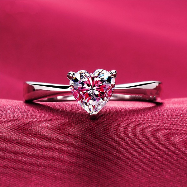 Lovely 1Carat Heart Shape Diamond Women Ring Solid Sterling Silver