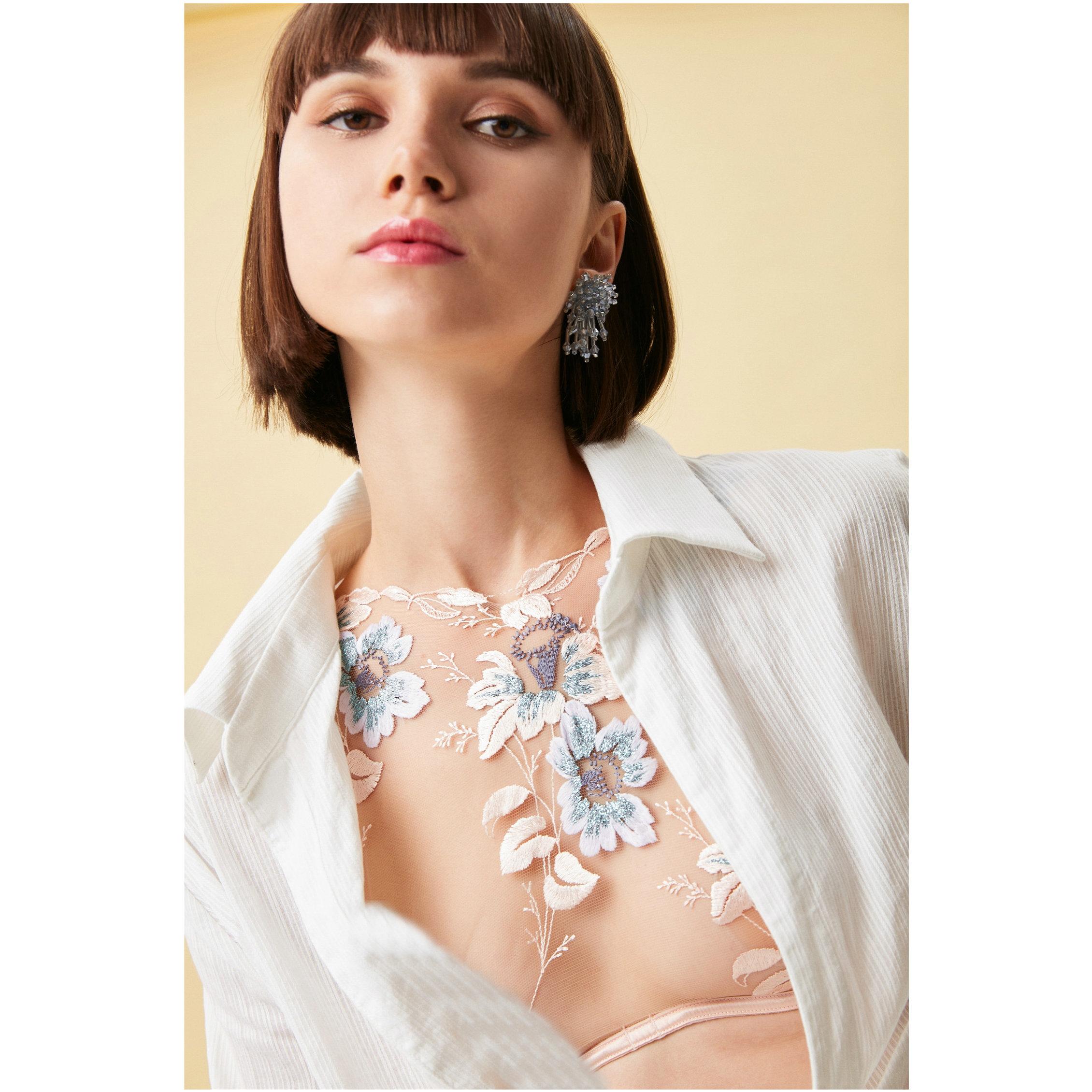 Femmes crochet fleur brodé dentelle réservoir O cou Camis femme gaze mince sans manches chemise réservoir Sexy arrière-plans