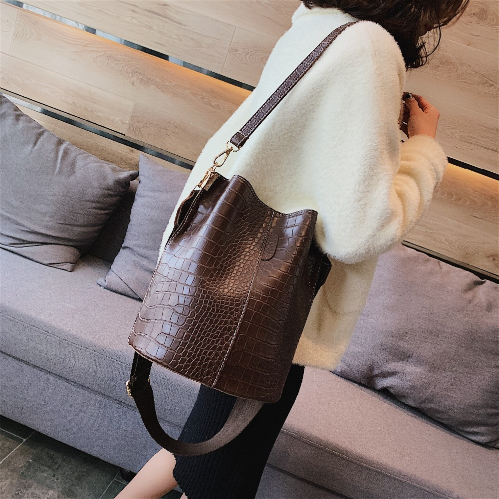 Image 2 - Vintage leather Stone Pattern Crossbody Bags For Women 2019 New Shoulder Bag Fashion Handbags and Purses Zipper Bucket Bags-in Shoulder Bags from Luggage & Bags