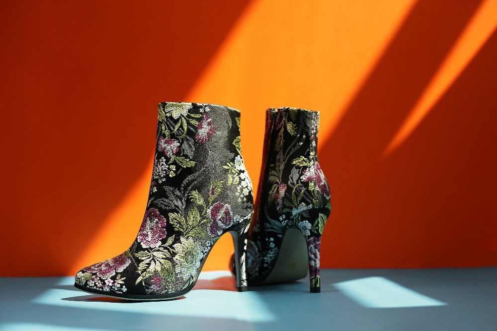 Krazing Pot 2019 süperstar ipek sivri burun sıcak tutmak stil kadın yarım çizmeler süper yüksek marka çiçek gece kulübü kış ayakkabı L89