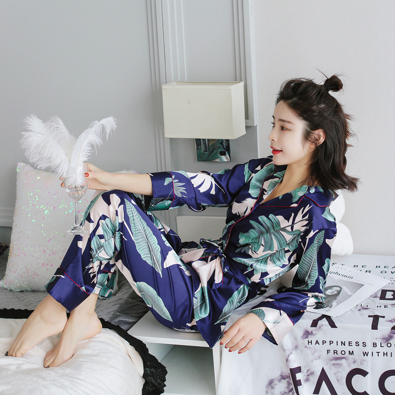 2018 autumn women's   pajamas     sets   with flower print fashion luxury female faux silk two pieces shirts + pants nighties sleepwear