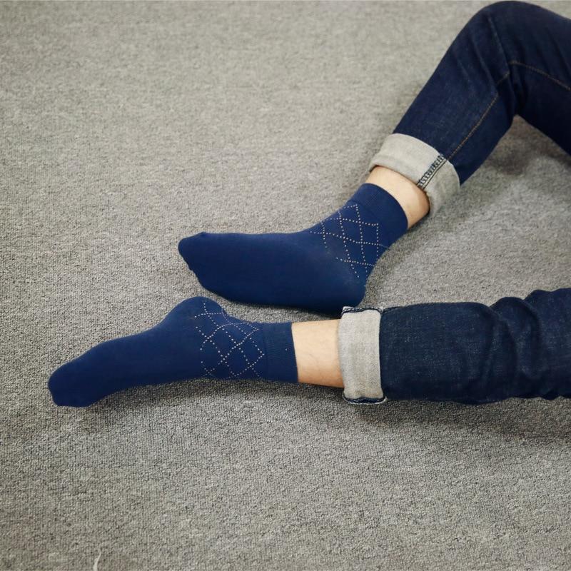 Men's plaided socks the latest design popular men's socks 3pairs cotton socks 2017 new