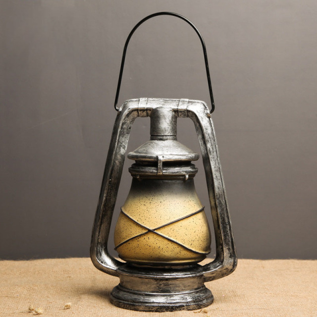 Retro Lantern Decorative Figurine