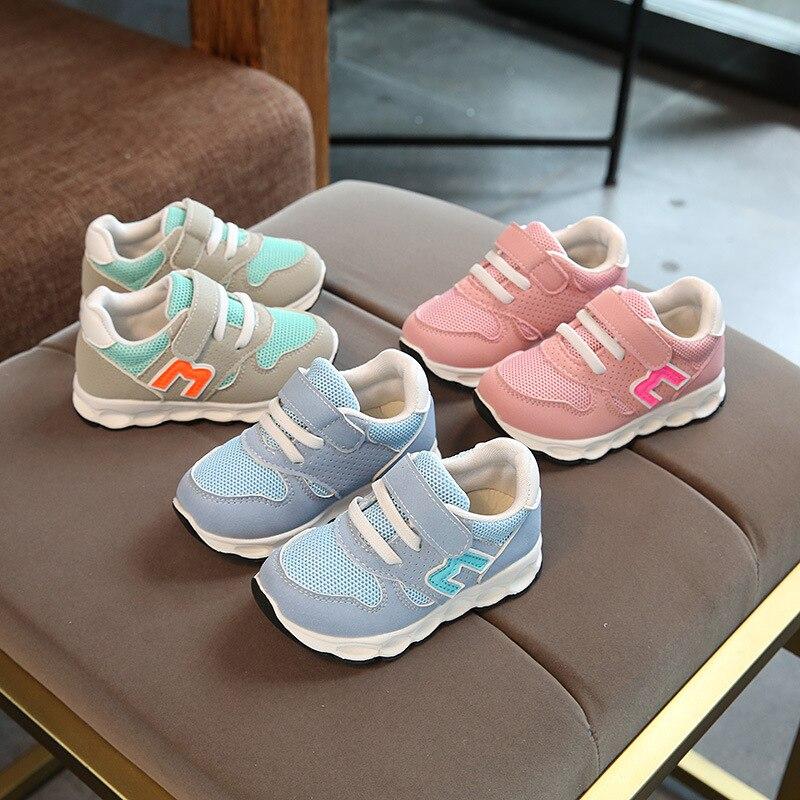 2018 Européenne nouvelle marque de mode bébé filles garçons chaussures haute qualité enfants sneakers classique lumière respirant enfants chaussures