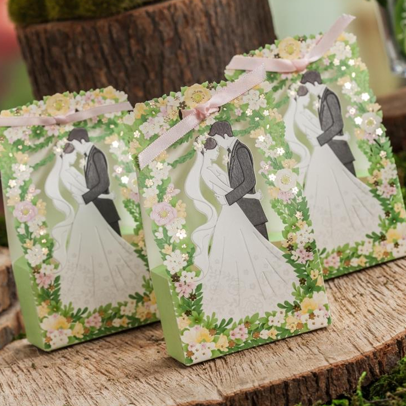 25pcs/lots Bride And Groom Wedding Candy Box Green Stereoscopic hollowing out gift box bags party favors Supplies