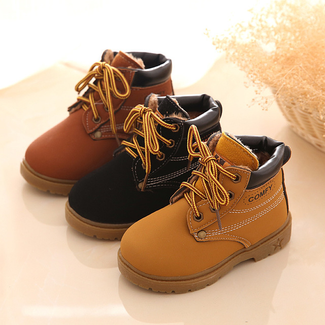 2017 Hot Sales New Bota Children Snow Ankle Boots PU Leather Children Shoes Kids Fashion Boys Girls Rubber Boots With Rivet