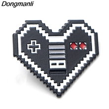 P3838 Dongmanli Game machine Heart-shaped Metal Enamel Brooches and Pins Collection Lapel Pin Backpack Badge Collar Jewelry