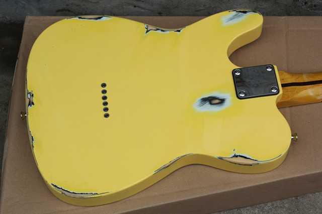 2019 New Arrival Firehawk Relic Yellow Custom Shop Vintage Maple Fingerboard Basswood Body Standard Electric Guitar SSS Pickups 4