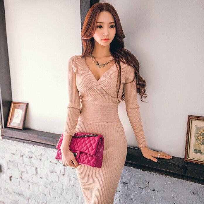 Les nouvelles femmes d'automne et d'hiver tricoté col en v à manches longues taille était mince chandail paquet hip tricot robe