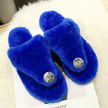 Women Slippers Rhinestone Luxury Design Short Plush Fur Ladies Warm Shoes Comfortable Leisure Shoes Chinelos Mulheres