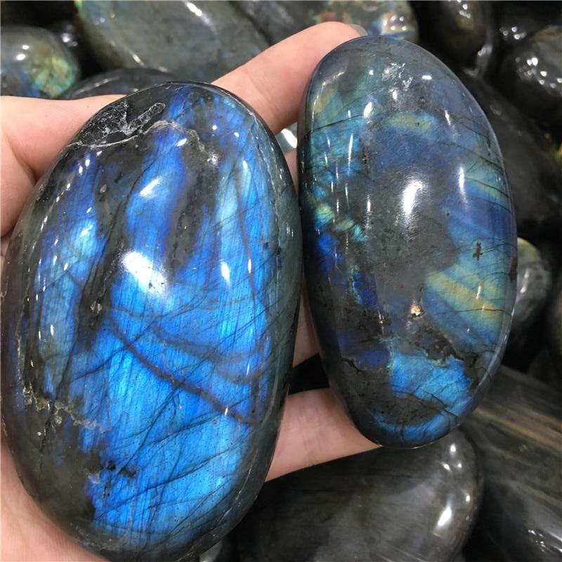 Labradorite stones (1)