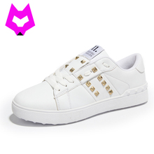 YTracyGold Sapato Feminino Designer Femmes Chaussures Dames Formateurs Chaussures Femme Rivet Appartements Zapatillas Mujer Casuals Damen Chaussures