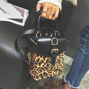 Image 4 - العلامة التجارية الشهيرة شخصية كبيرة حقائب صغيرة مكعب العلامة التجارية التصميم الأصلي حقائب كروسبودي للنساء حقيبة ساع
