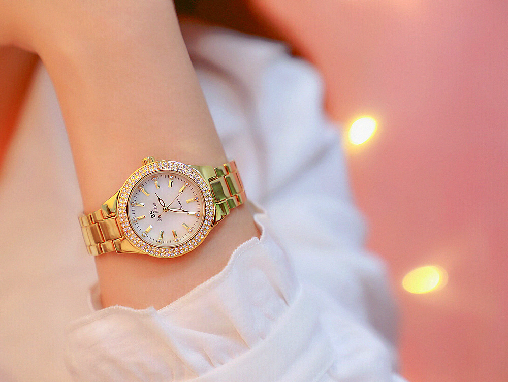 women watch 10