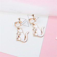 Japan Korean Cute Creative Cartoon Cat Acrylic Pearl Woman Girls Clips Hook Earrings Fashion Jewelry-LAF