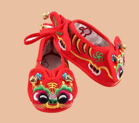 Chinese Traditional Embroidery Baby Toddler Shoes Infant Soft Bottom Baby Cloth Shoes Baby Chinese Tiger Auspicious 0-12M Hot