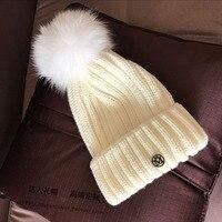 Nieuwe winter witte hoed dubbele zwart metalen logo super vrouwelijke vos haar lamp mooie joker hoed
