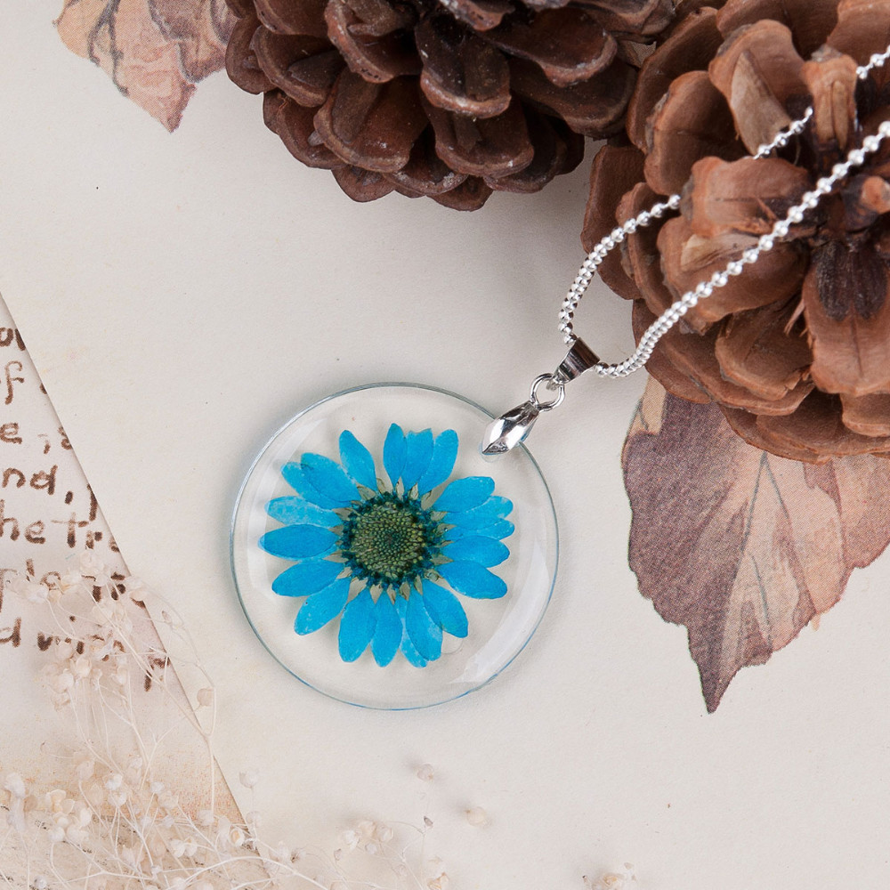 Dried Flower Necklace blue